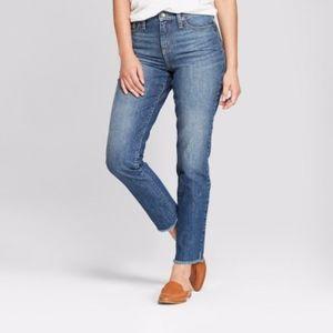 NWT Women's High-Rise Straight Leg Jeans